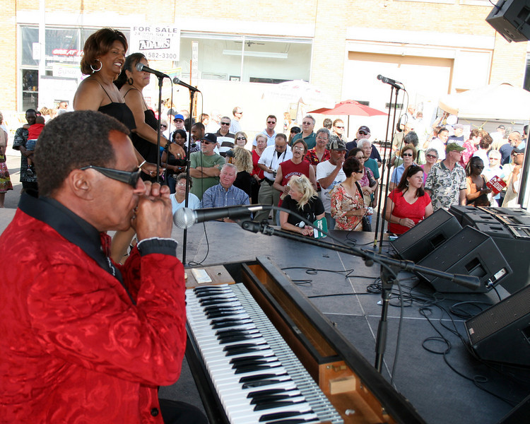 frank rondell as ray charles, hamtramck festival, empire entertainment, legends live
