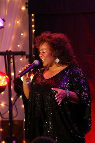 kathleen smith as aretha franklin, empire entertainment, legends live