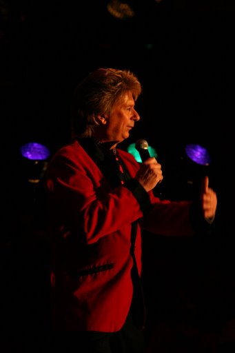 frank sternett as barry manilow, empire entertainment, legends live